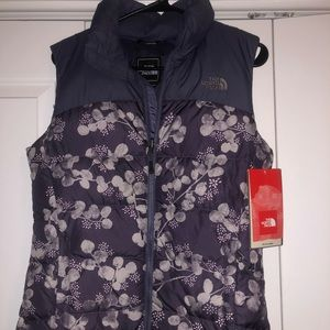 North face Vest size small brand new with tags